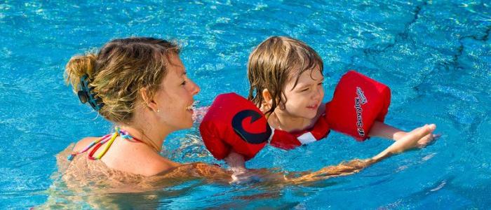 Les jeux de piscine des accessoires gonflables de d tente for Brassards piscine