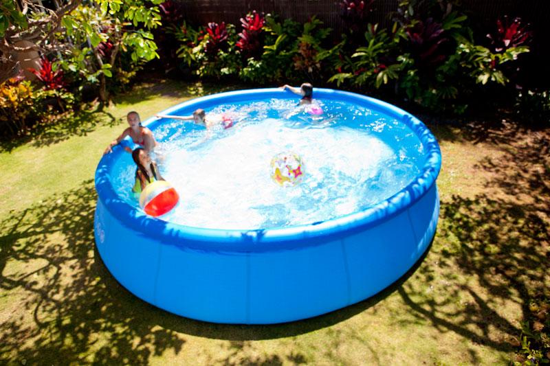 Bien choisir l emplacement de sa piscine hors sol gonflable - Piscine gonflable hors sol ...
