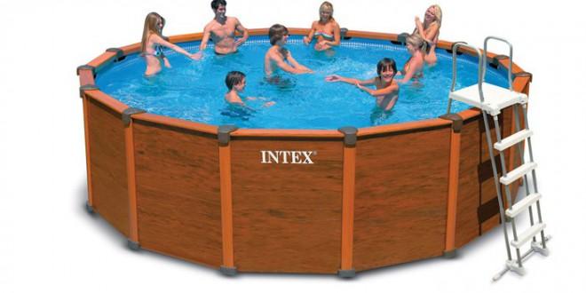 Avantages et inconv nients d une piscine hors sol bois for Piscines autoportees
